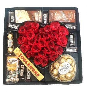 » Caja de Corazón Con Variedad de Chocolates