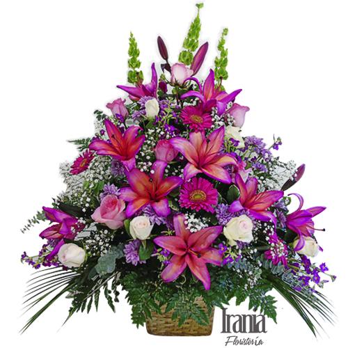 arreglo de rosas y lirios fucsia iraniafloristeria