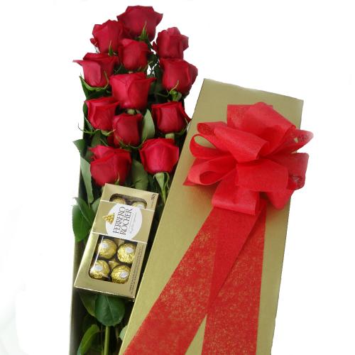 rosas en caja dorada con chocolate, irania floristeria
