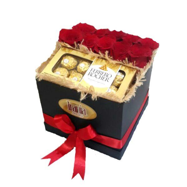 rosas y chocolate en caja cubo, irania floristeria