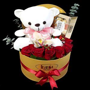 caja de flores con peluches y chocolate, irania floristería